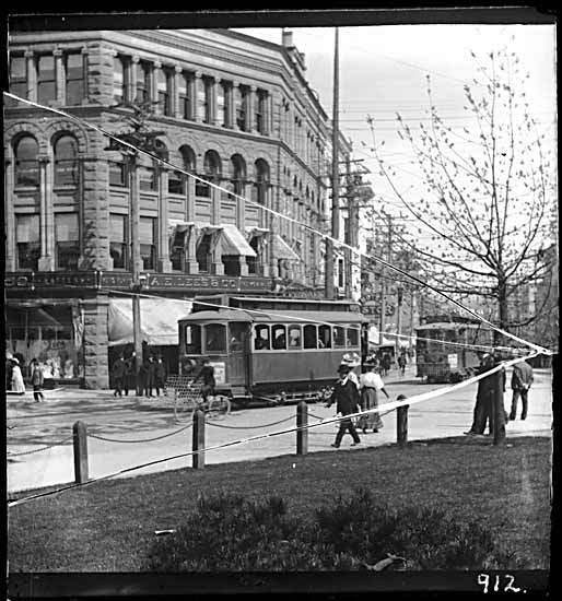 VPL #6675, Philip Timms, 190-, streetcar with Flack Block